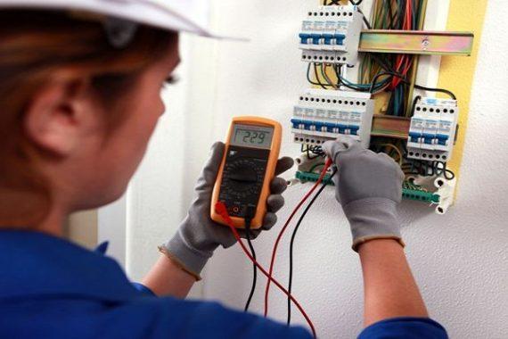 Thợ điện nước cần lưu ý để đảm bảo an toàn